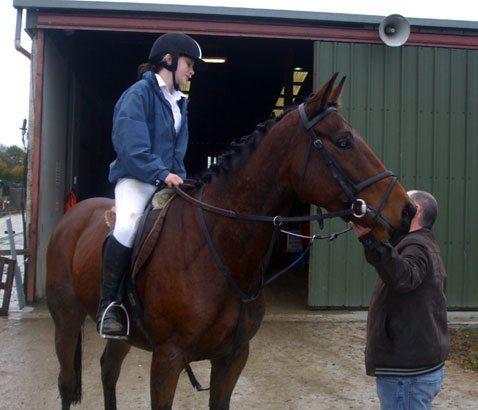 Equestrian 2010-2011 : Rachel taking sound advice