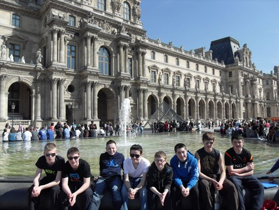 2nd year trip to paris : desmond college