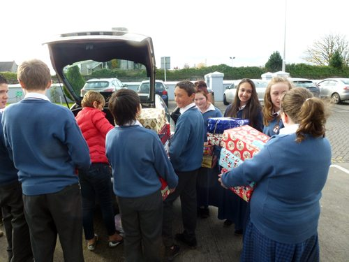 Packing the transport of the shoeboxes collected for Team Hope
