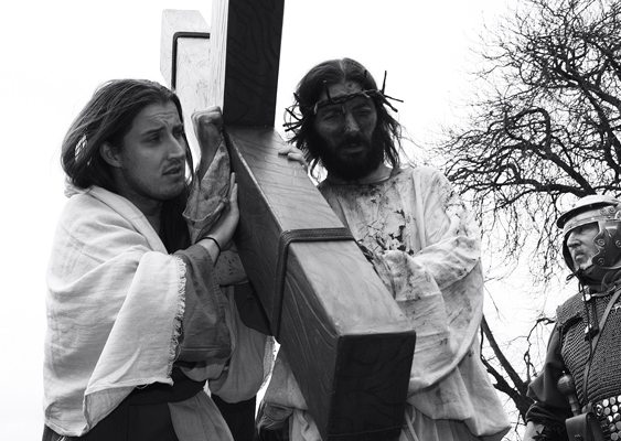 Carrying the Cross : Way of the Cross 2013