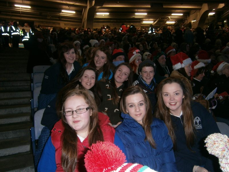 Desmond College at Stars, Choirs and Carols, trying to break the world record