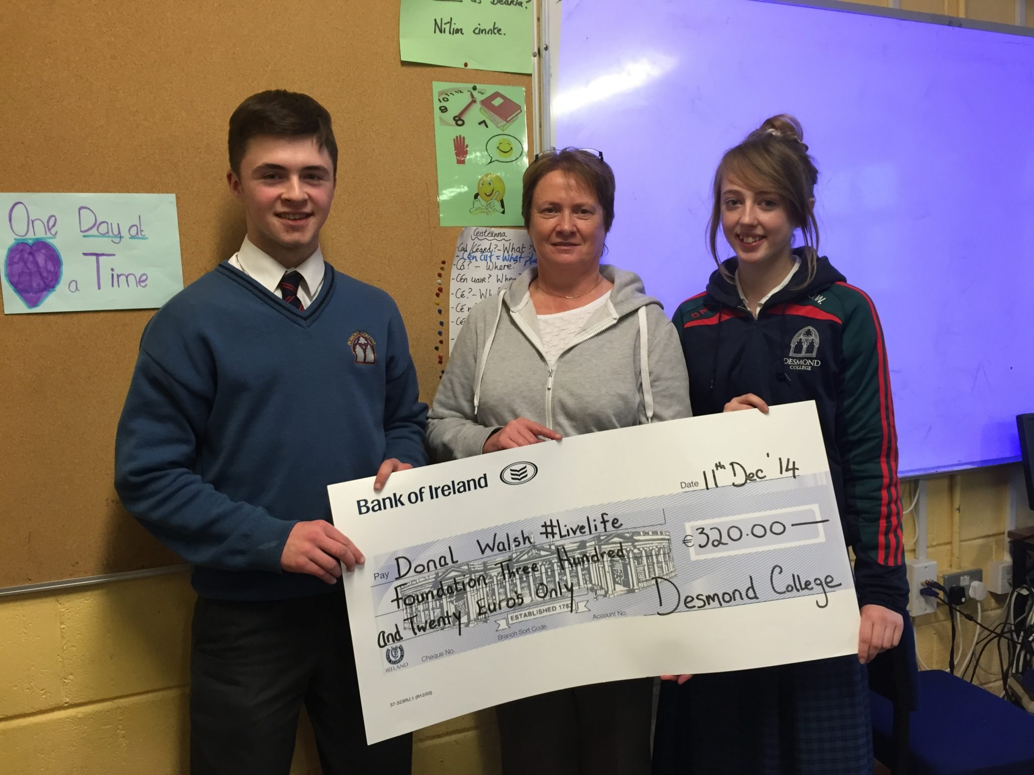 Elma Walsh of the #LiveLife Foundation gave a talk at Desmond College on 11th December 2014 where she was presented with a cheque for €320.00 that the Desmond College students raised