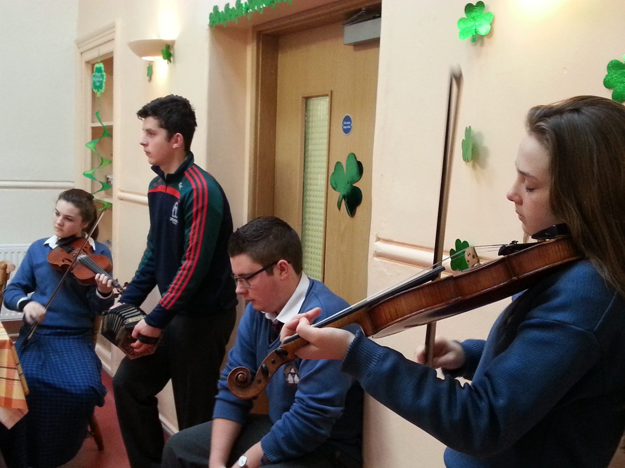 Draiocht Performed at St Ita's Nursing Home for St. Patrick's Day 2015