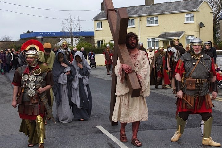 Dramatic Reconstruction of the Passion of Jesus through Newcastle West on Good Friday 2015