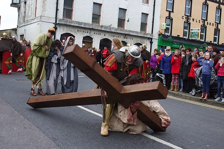 Jesus Falls : The Way of the Cross Newcastle West 2015