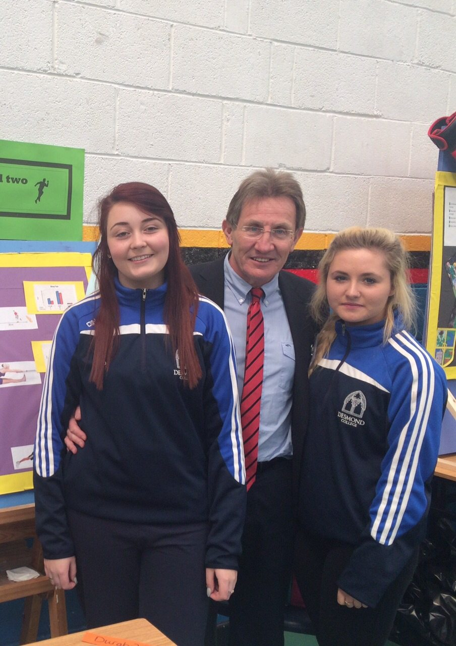 Chloe Power and Ava O Connor meet Niall Moyna from Operation Transformation