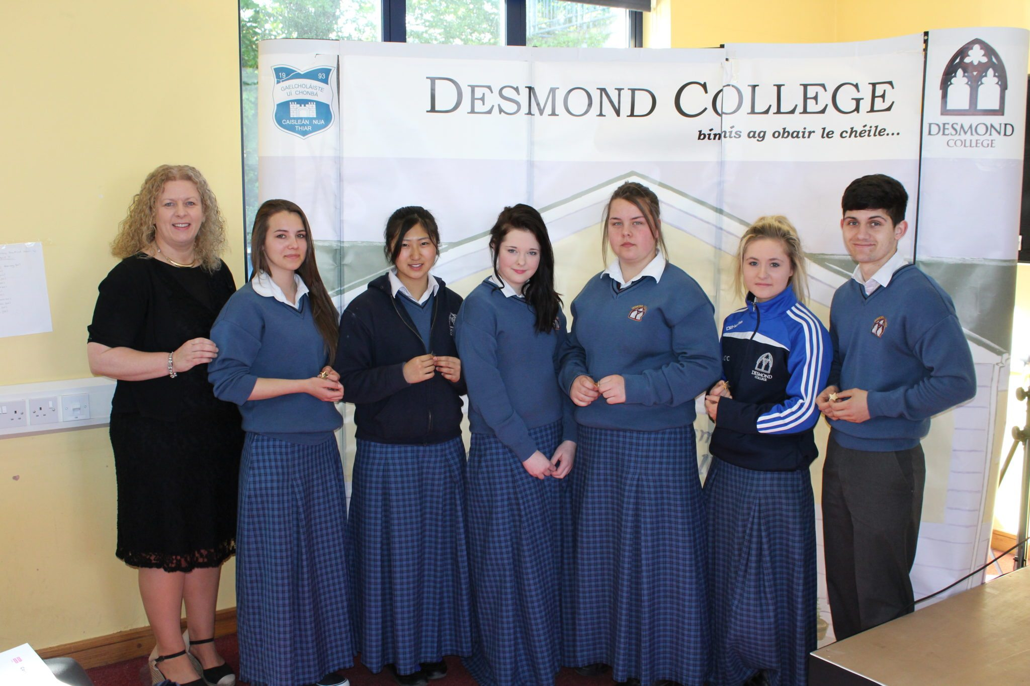 Desmond College Student Awards: May 2015: CO-OPERATION AND DILIGENCE AWARDS : 5th year : Ms Gavin Barry with Bogimilia Jedrzejowska, Risa Sato, Megan Hartigan, Clara Derwin, Ava O'Connor and Shane Lee