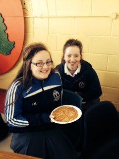 Leona Ní Mhaolalaidh and Rachel Sheahan second year Gaelcholáiste enjoy the French Breakfast