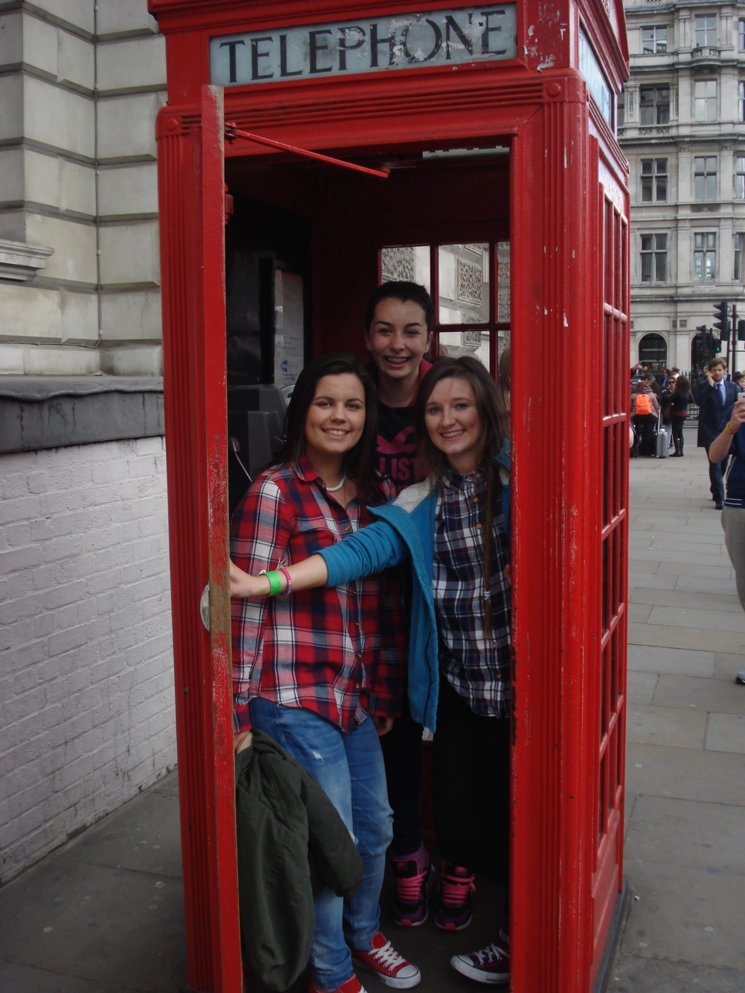 desmond college transition year trip to london: Lauren Moloney, Stacey Flynn and Sarah Flatley, April 2015
