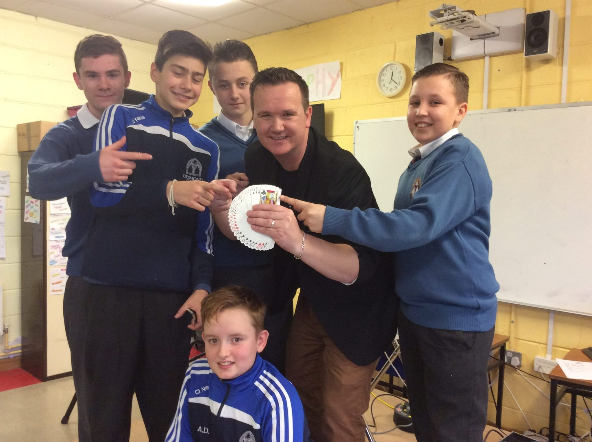 Jan 2016: Clodagh McNamee, Sarah Leahy, Catherine Cahill, Genevieve Collins, Michael Conlon and AJ O Donovan pictures with Magician Leon following a magic show in Desmond College as part of Numeracy week.