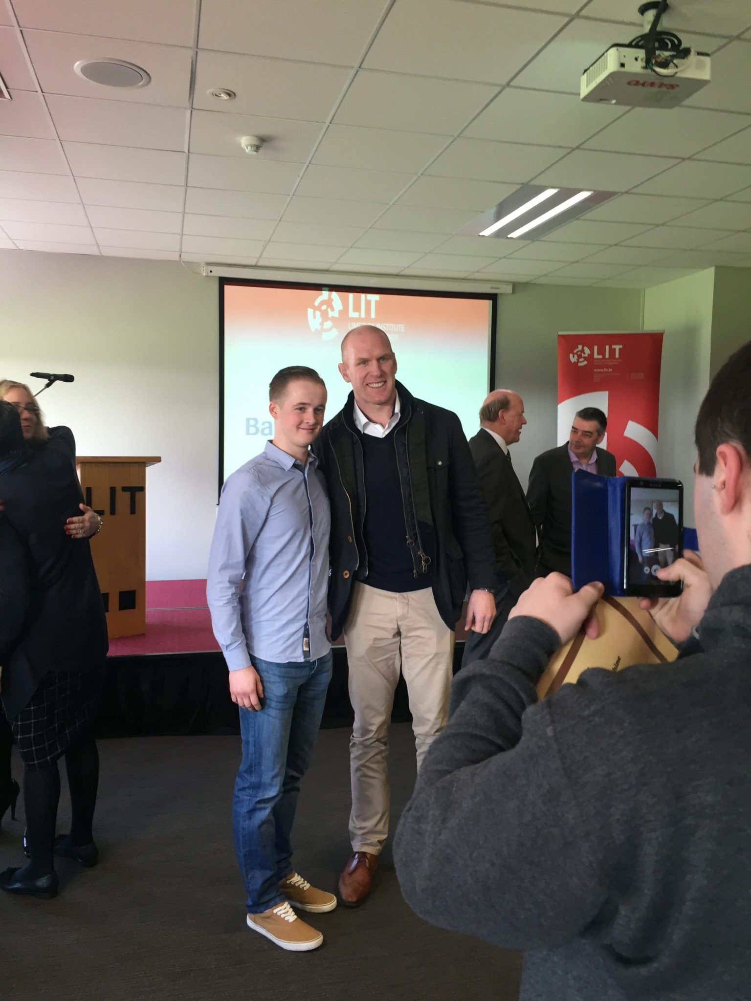 Feb 2016: Desmond College Past Pupils Receive Scholarship at LIT ceremony with Rugby's Paul O'Connell