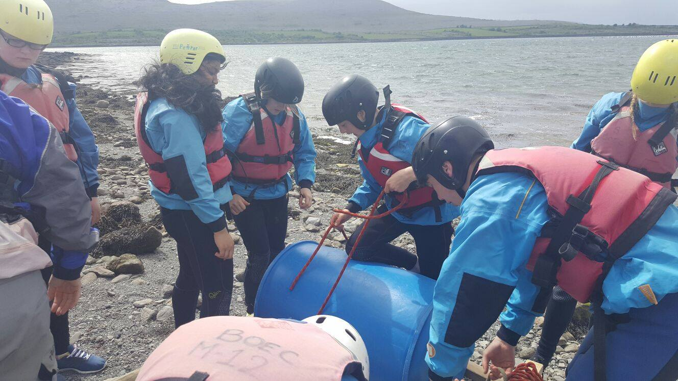 2016-05-21-desmond-college-first-year-students-on-their-trip-to-the-burren-outdoor-education-centre-004