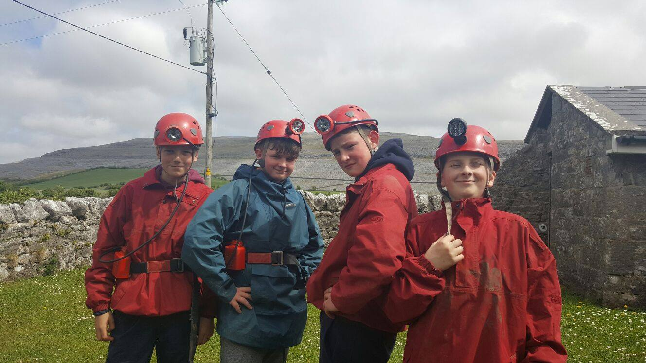 2016-05-21-desmond-college-first-year-students-on-their-trip-to-the-burren-outdoor-education-centre-008