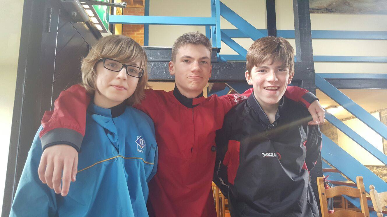 2016-05-21-desmond-college-first-year-students-on-their-trip-to-the-burren-outdoor-education-centre-020