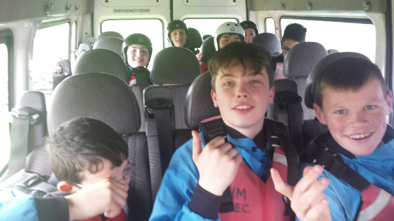 2016-05-21-desmond-college-first-year-students-on-their-trip-to-the-burren-outdoor-education-centre-034