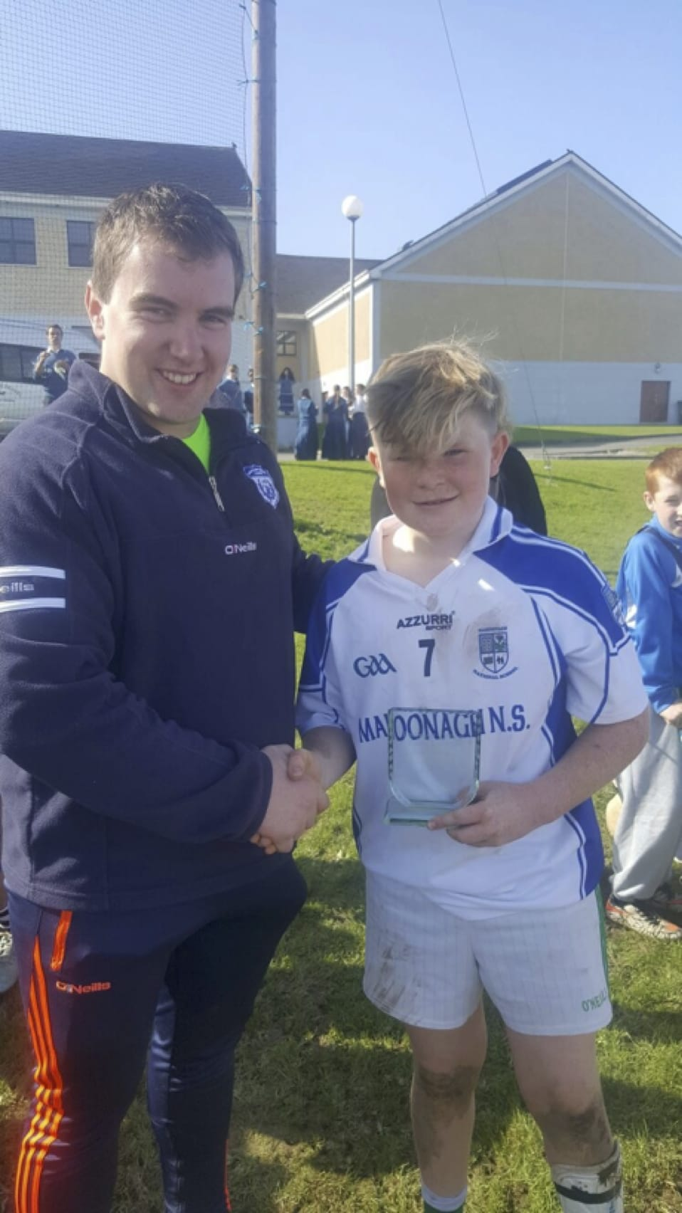 26-27 Sept 2016: Mr Kelly presents player of the tournament to JJ Condon from Mahoonagh N.S.
