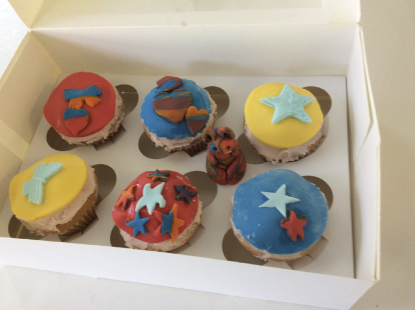 May 2017: Rang Fintan decorated cupcakes as part of the demonstration with Victoria from BakeYouSweet