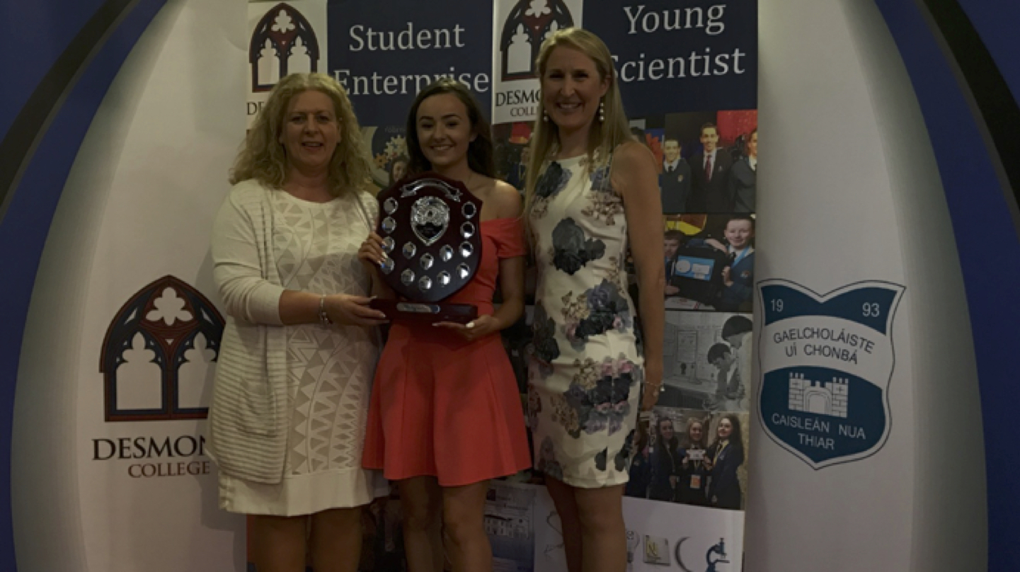 Student of the Year Alice Duffy receiving her award from Principal Ms Vourneen Gavin Barry and TY Co-ordinator Ms Kerrie Collins
