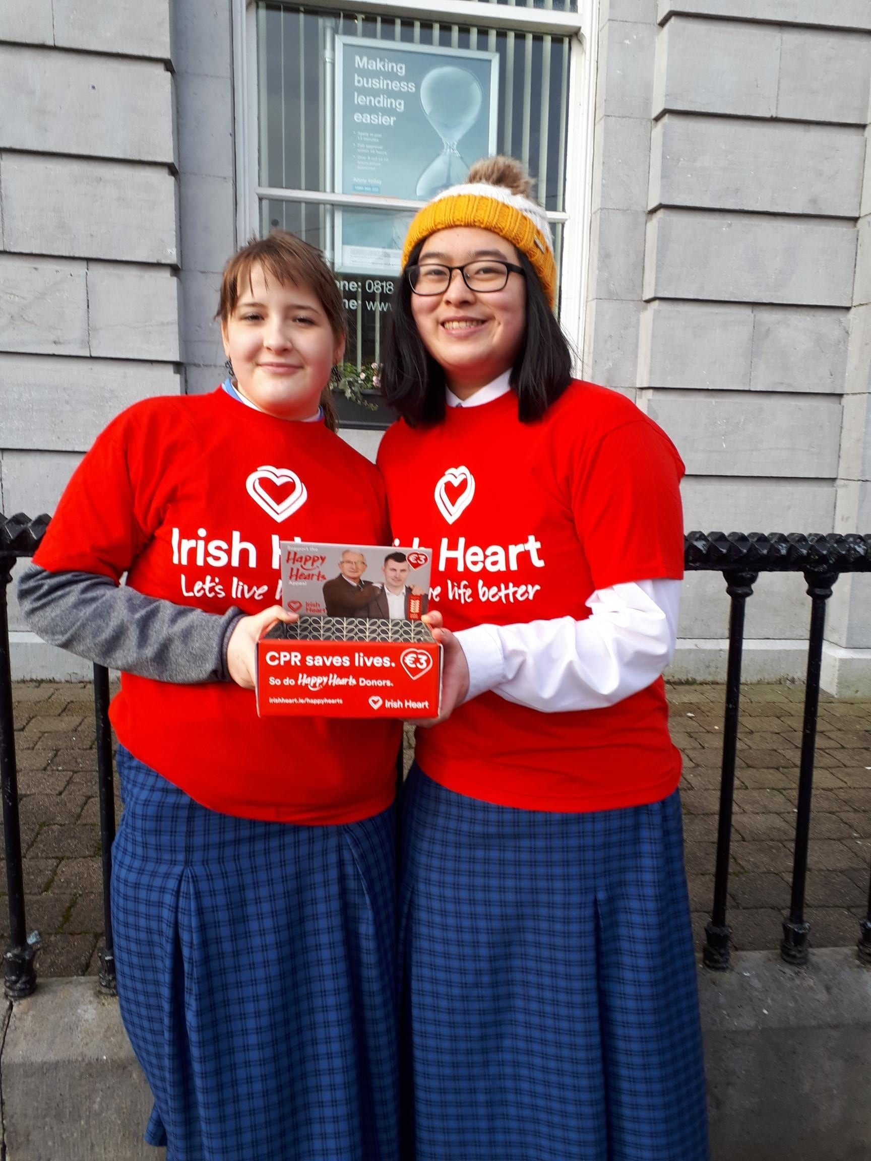 Marcelina Krzywdainska and Joanne Lai fundraising for the Irish Heart Foundation