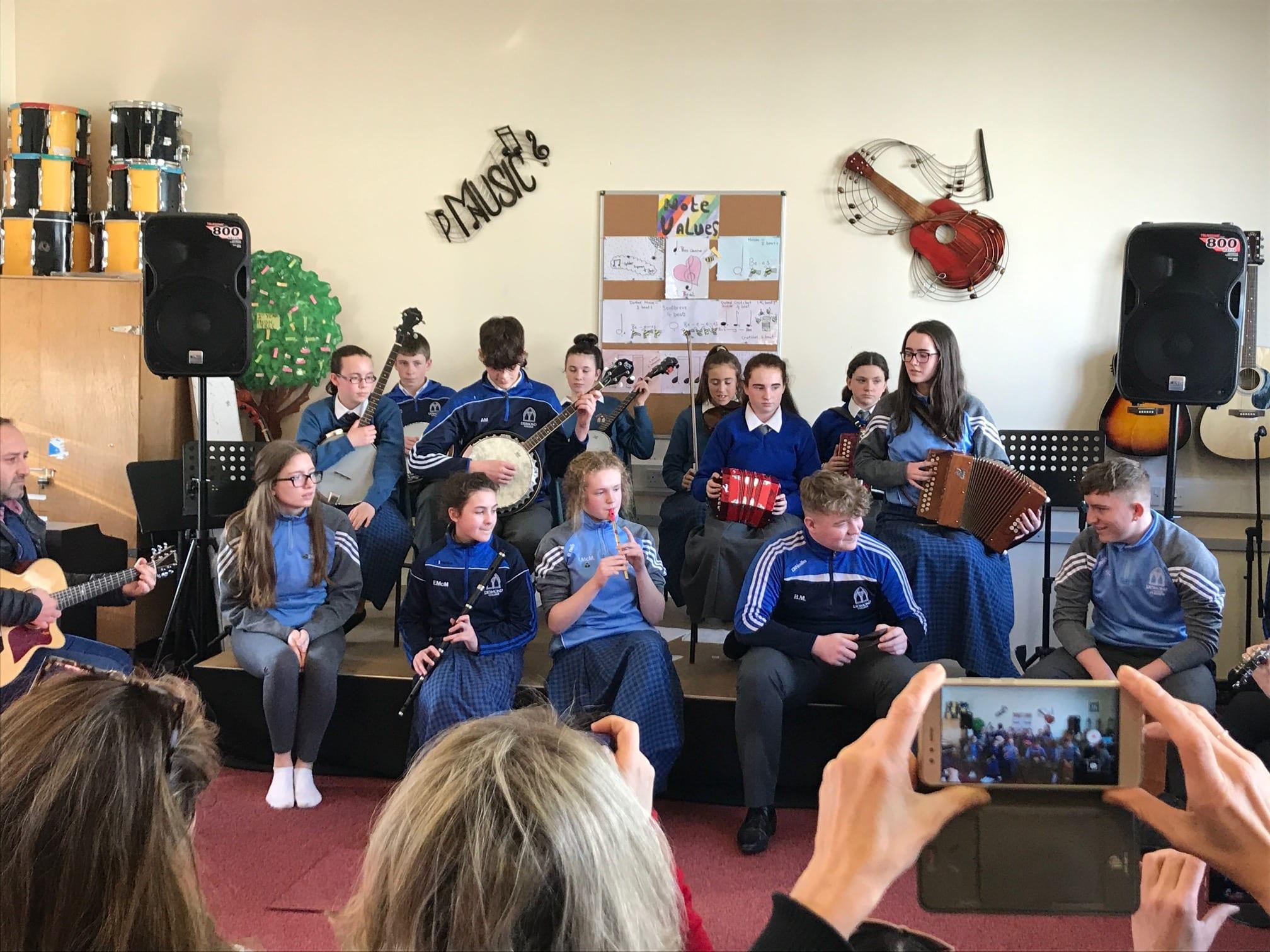 Desmond College Trad Group entertain visiting teachers on European Erasmus Programme