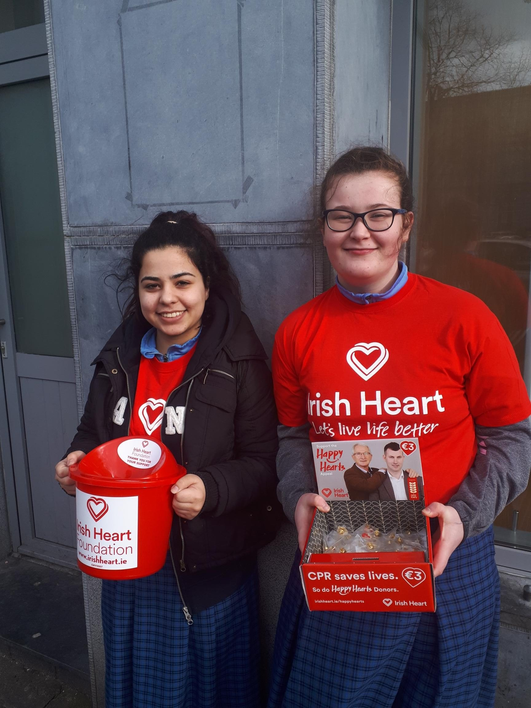 Anna Da Silva and Alanis Leen fundraising for the Irish Heart Foundation