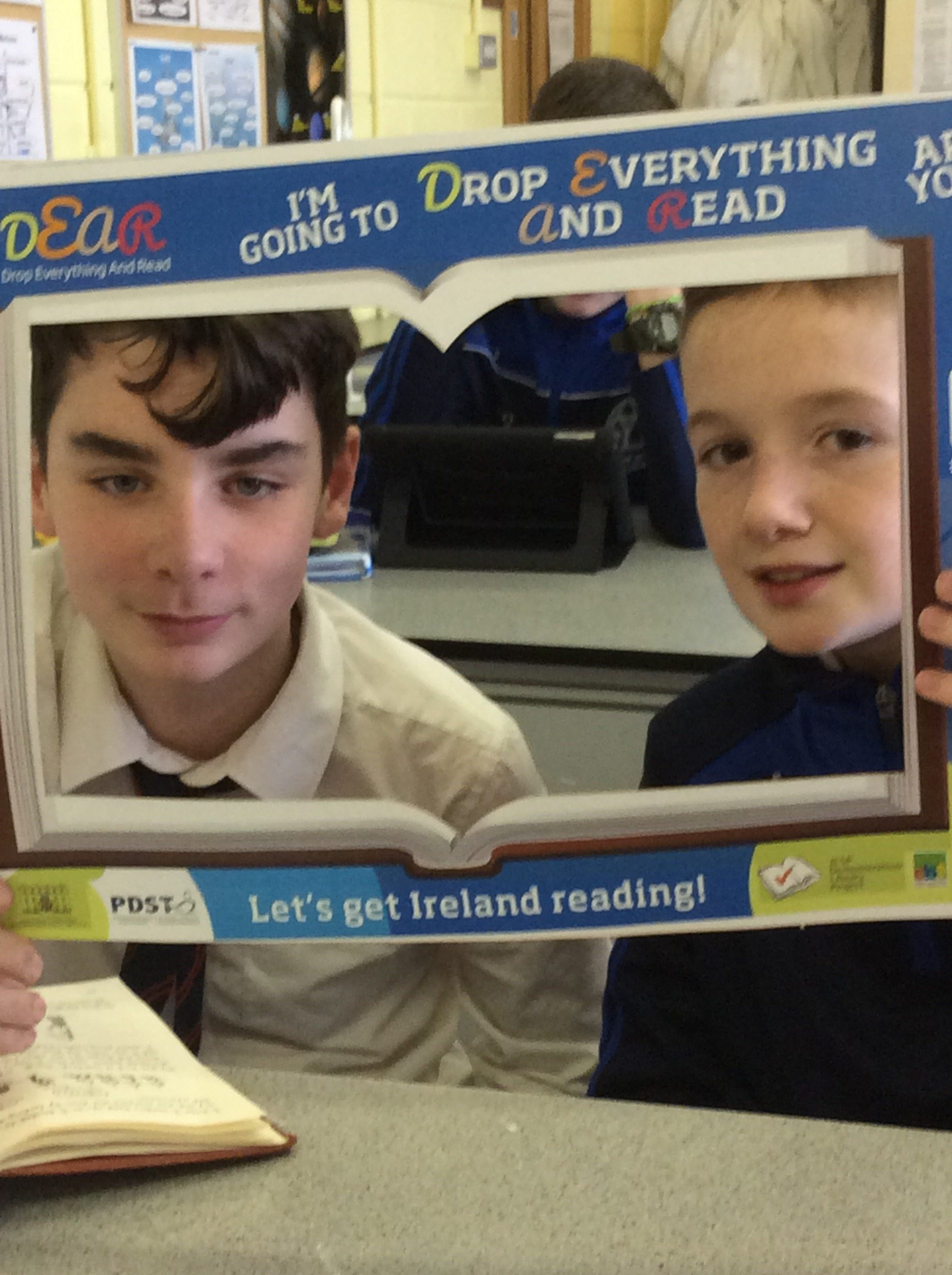 "Desmond College ""Drop Everything and Read!"""