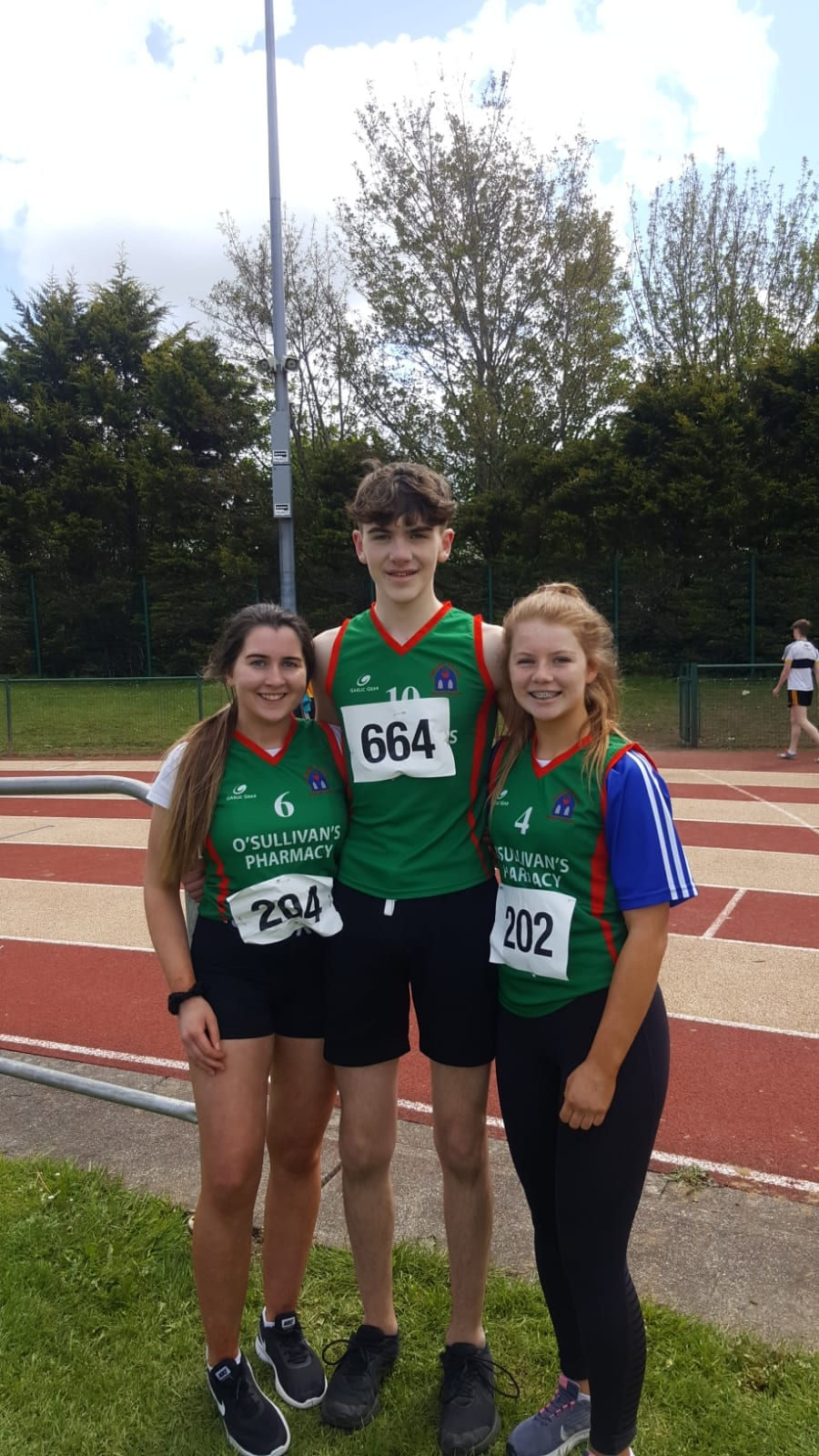Ciara O'Connor, Aaron Moínbhíol and Aoife Lee at the North Munster Athletics Championships