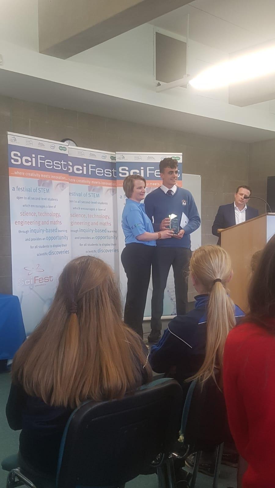 Congratulations to Oisín O'Sullivan who pick up the Boston Scientific Award at SciFest in Tralee